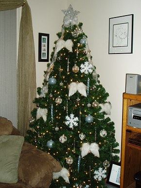 Angel Theme Christmas Tree - Christmas Tree Themes & Color Schemes ...