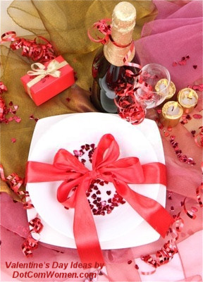 Gift Wrap themed ROmantic Dinner Place Setting
