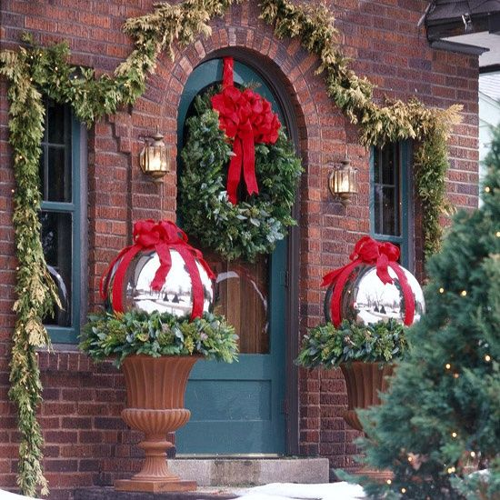 large bauble topiaries outdoor christmas decorating ideas - Topiary Christmas Decorations