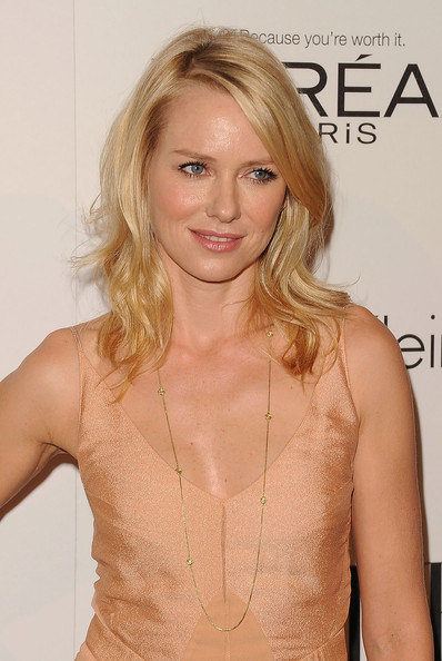 Naomi Watts in a Long, David Yurman Gold Chain
