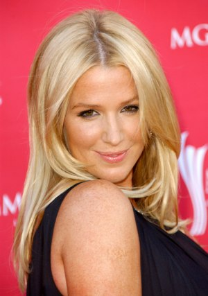 Poppy Montgomery's Medium Length Hairstyle
