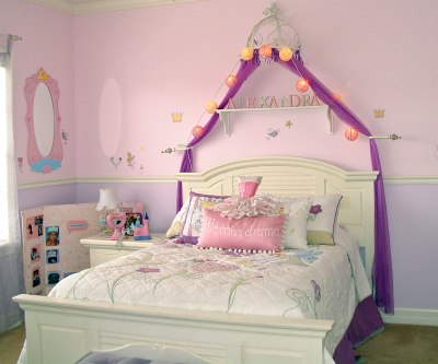 Girlu0027s Princess Themed Bedroom