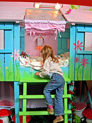 Fairy Treehouse – Girls' Whimsical Bedroom Idea