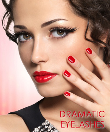 Dramatic Eyelashes Party makeup