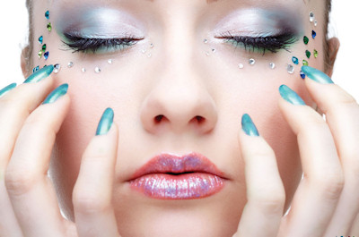 Celebrity Makeup Tips - Shimmery Gloss