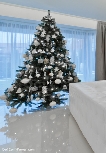 The Modern Christmas Tree. white christmas tree decoration