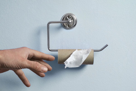 Empty Toilet paper roll - 7 Most Annoying Bathroom Problems