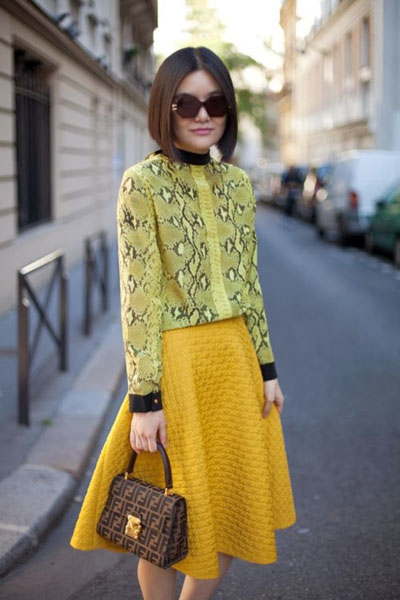 Outfit Inspiration - yellow snakeskin top with quilted knee length skirt