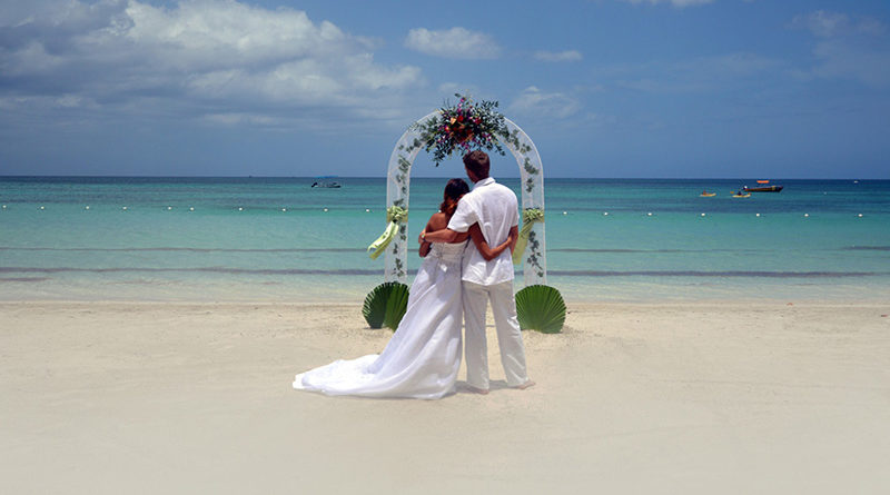 5 Essential Tips On Planning A Fabulous Beach Wedding