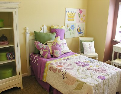 S Bedroom In Purple Yellow Kids Room Decorating