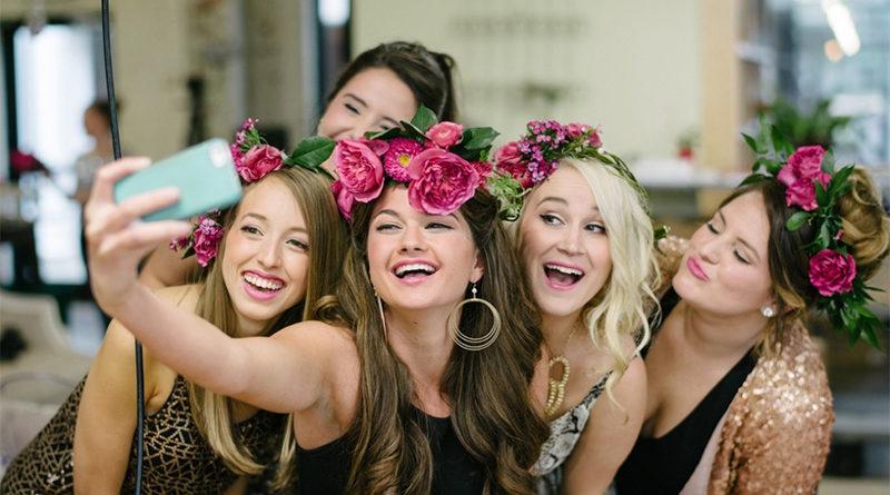 The Unspoken Rules of Planning a Successful Bachelorette Party - Dot Com  Women